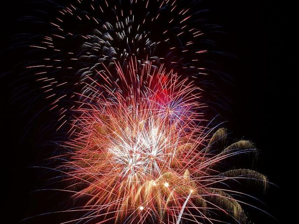 Fireworks_red_(1)